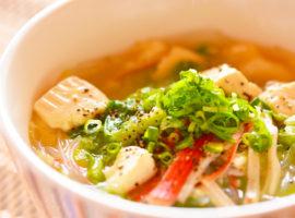 へルシー!低カロリーで満腹!豆腐と春雨の中華風スープ