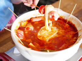 【とろ〜り】具だくさん!『チーズトマト串鍋』の作り方